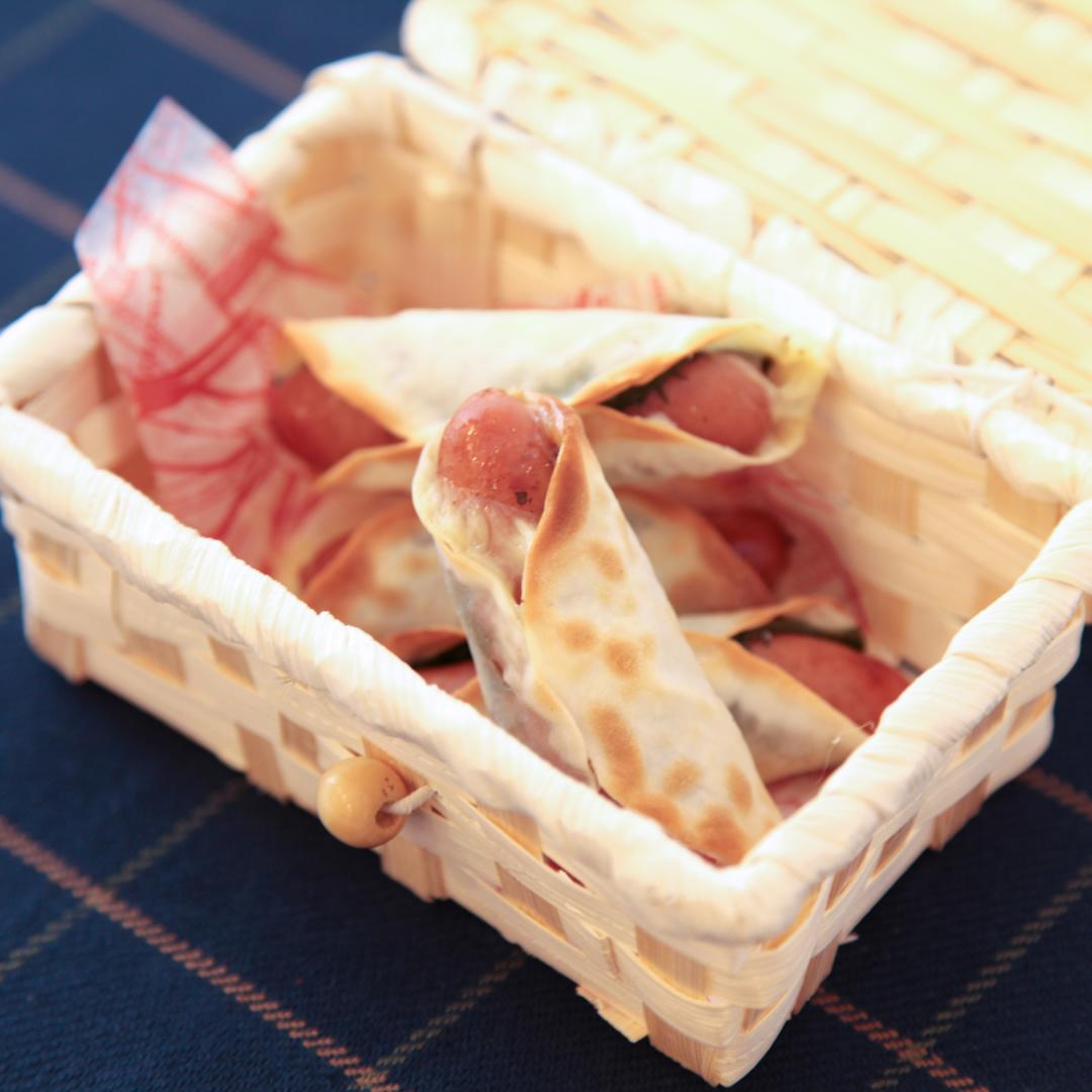 トースターで簡単、8分で完成「ウインナーと餃子の皮でトルティーヤ風」