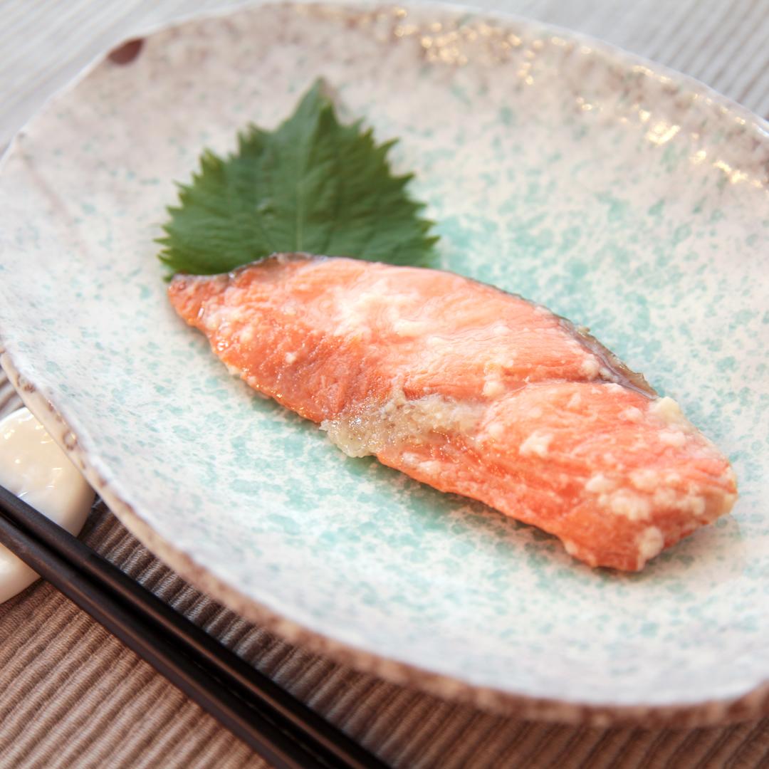 トースターで簡単、仕込み15分「鮭の塩麹焼き」