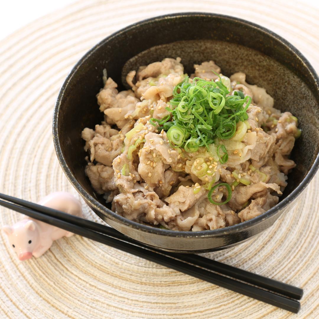 レンジで簡単、10分で完成「ネギ豚ネギ丼」@ズボラ飯
