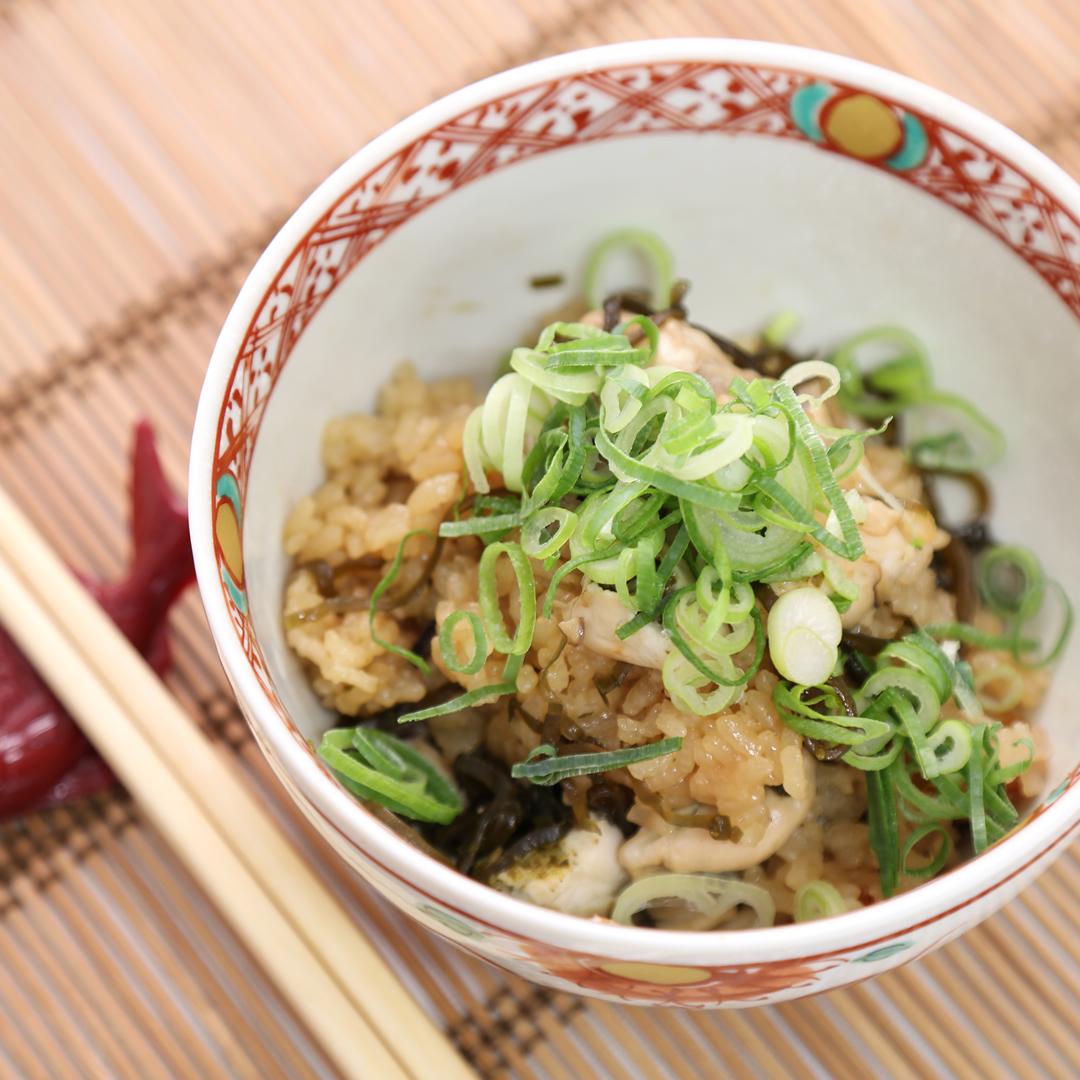 炊飯器で簡単、調理時間5分「牡蠣の炊き込みご飯」@ズボラ飯