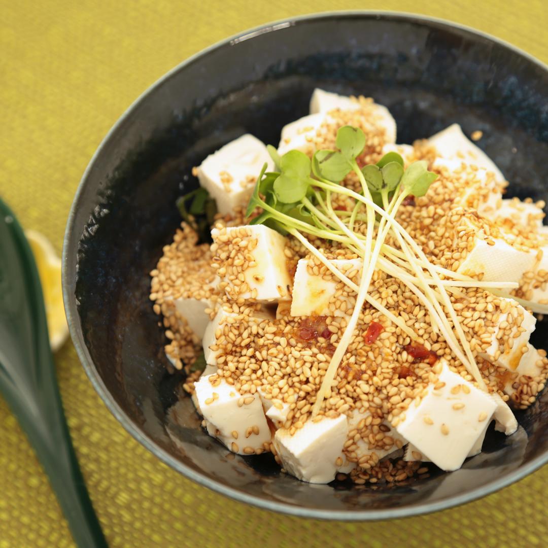 何も使わないで簡単、7分で完成「豆腐ごま丼」@ズボラ飯