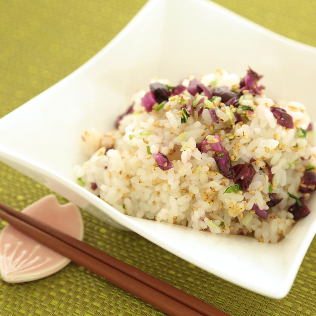 レンジで簡単、3分で完成「水菜としば漬けの混ぜご飯」@ズボラ飯