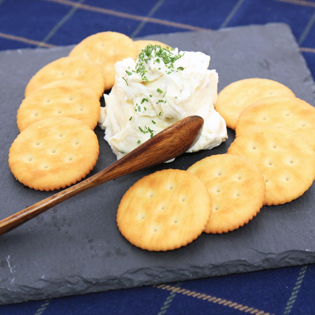 レンジで簡単、3分で完成「クリームチーズのガーリックディップ」@ズボラ飯