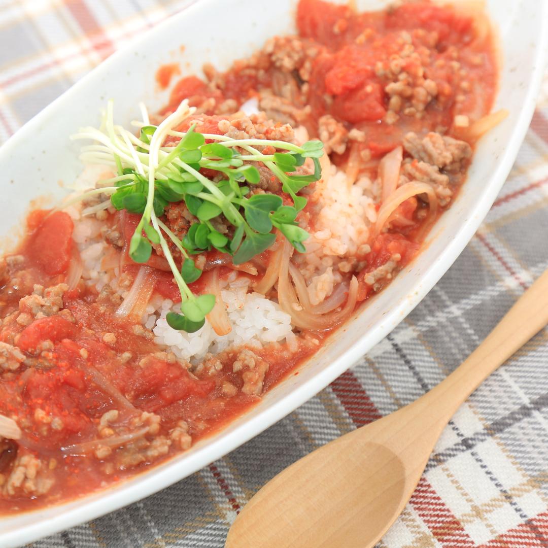 レンジで簡単、8分で完成「ひき肉のアラビアータ丼」@ズボラ飯