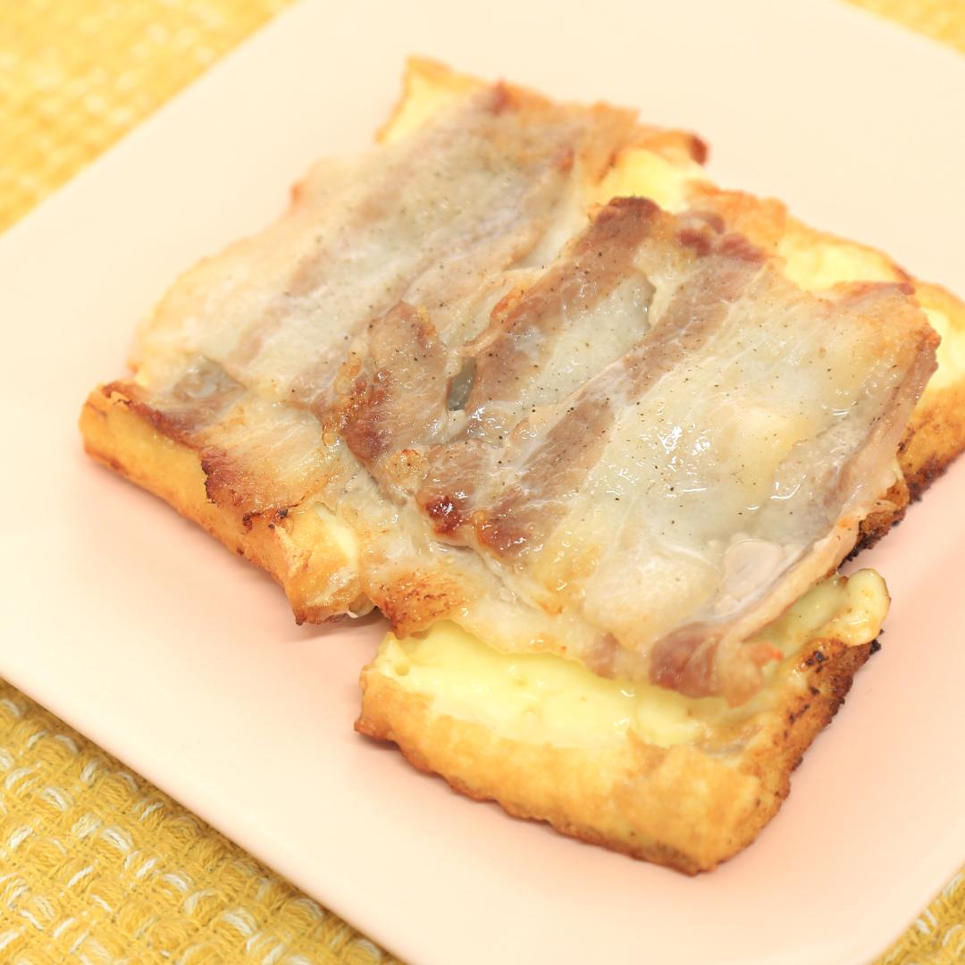 ホットサンドメーカーで簡単、5分で完成「厚揚げチーズのホットサンド」@ズボラ飯