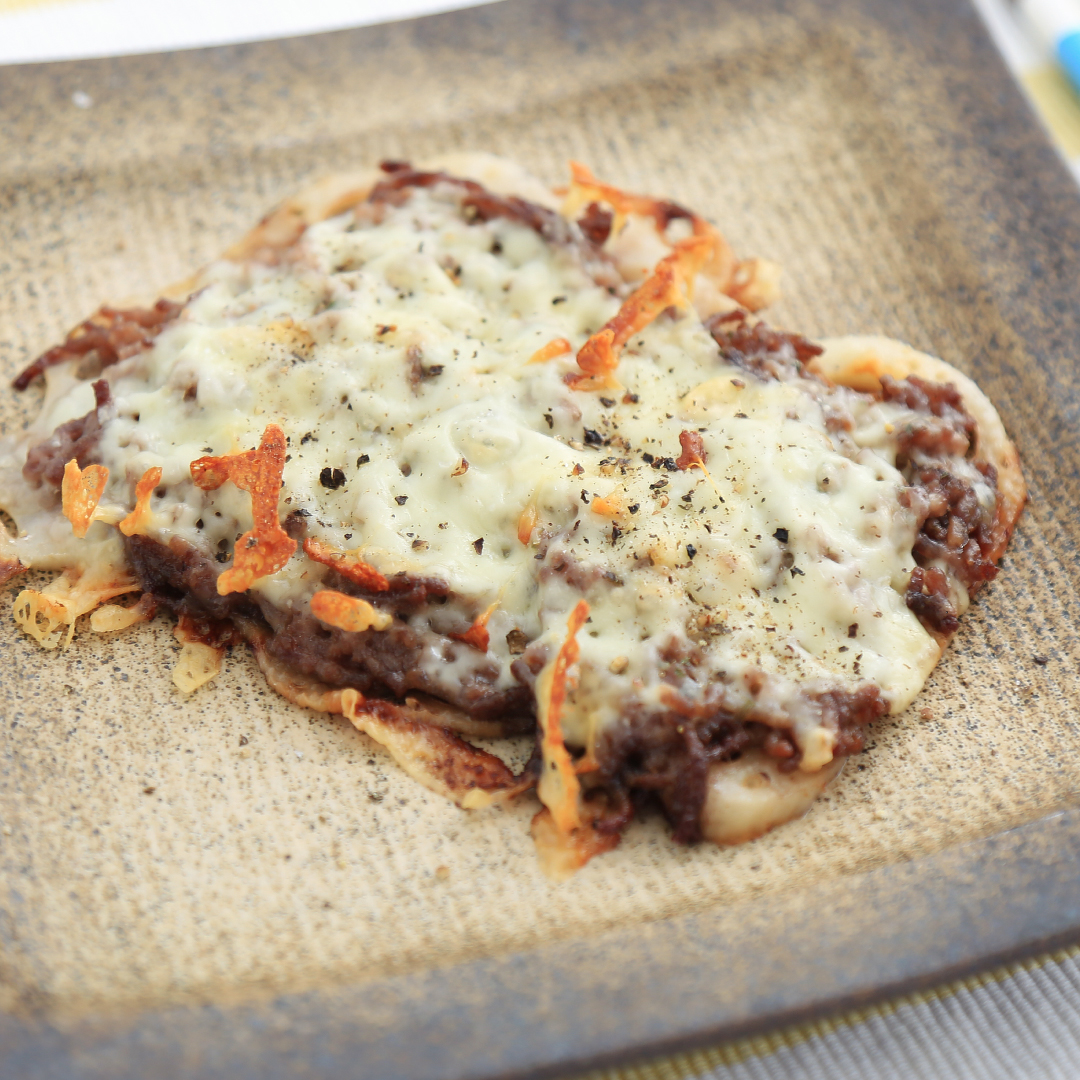 ホットサンドメーカーで簡単、5分で完成「レンコン肉チーズ」@ズボラ飯