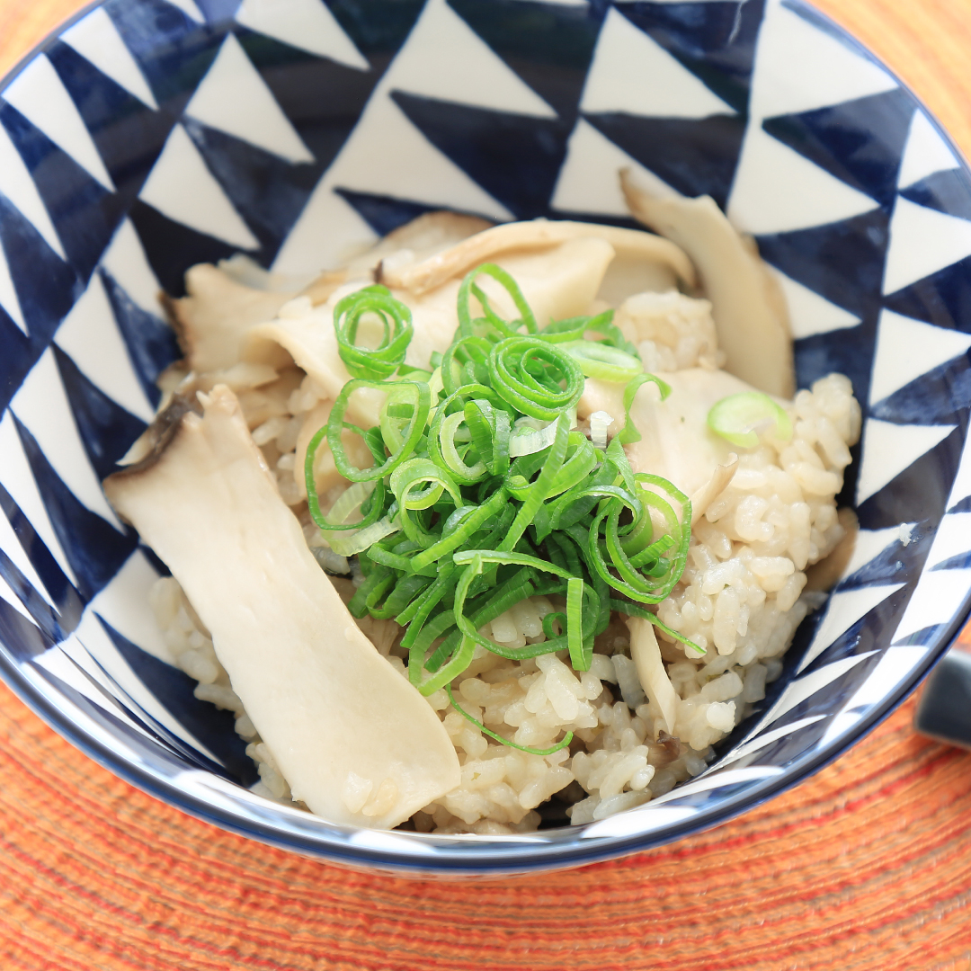 炊飯器で簡単、調理時間5分「エリンギとまいたけの松茸ご飯風」@ズボラ飯