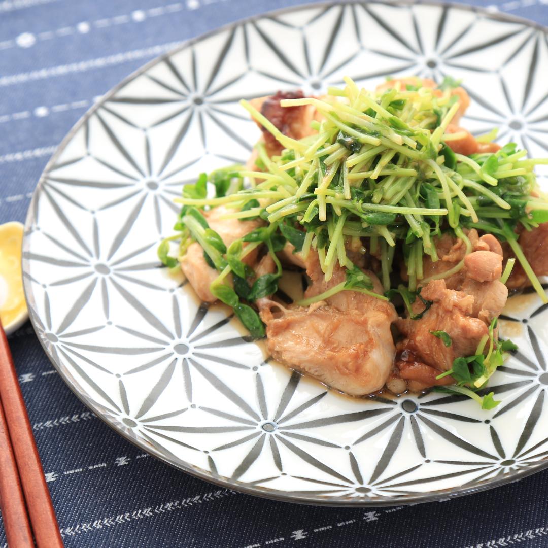 レンジで簡単、調理時間10分「鶏もも肉のマヨポン豆苗炒め」@ズボラ飯