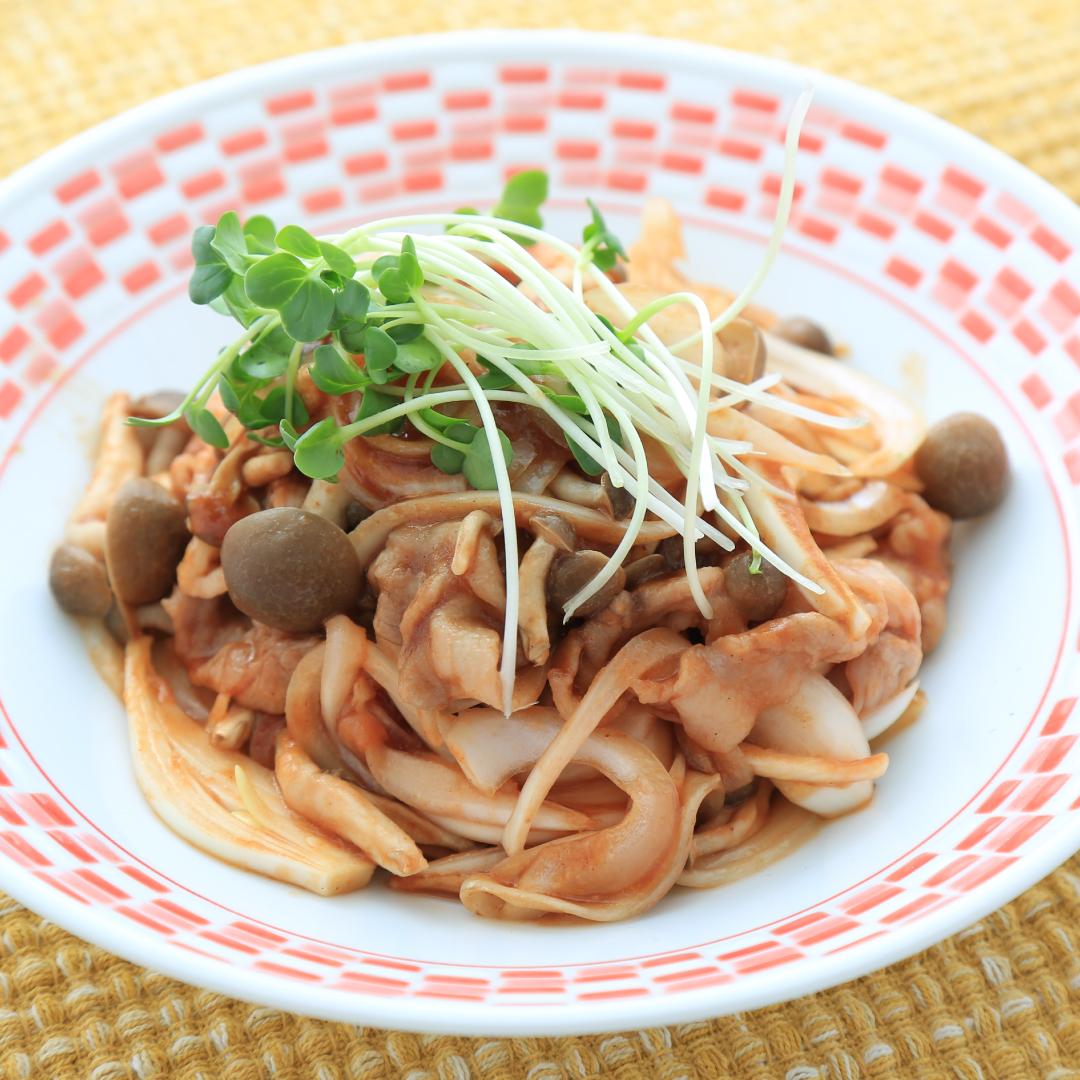 レンジで簡単、5分で完成「豚肉のケチャップ炒め」@ズボラ飯
