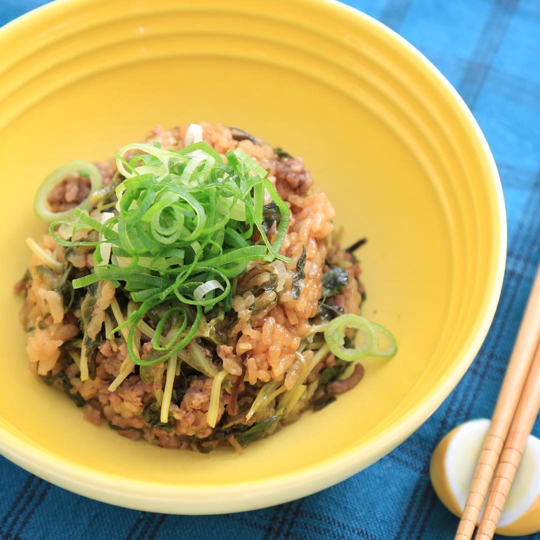 炊飯器で簡単、調理時間5分「合い挽き肉と豆苗の炊き込みご飯」@ズボラ飯