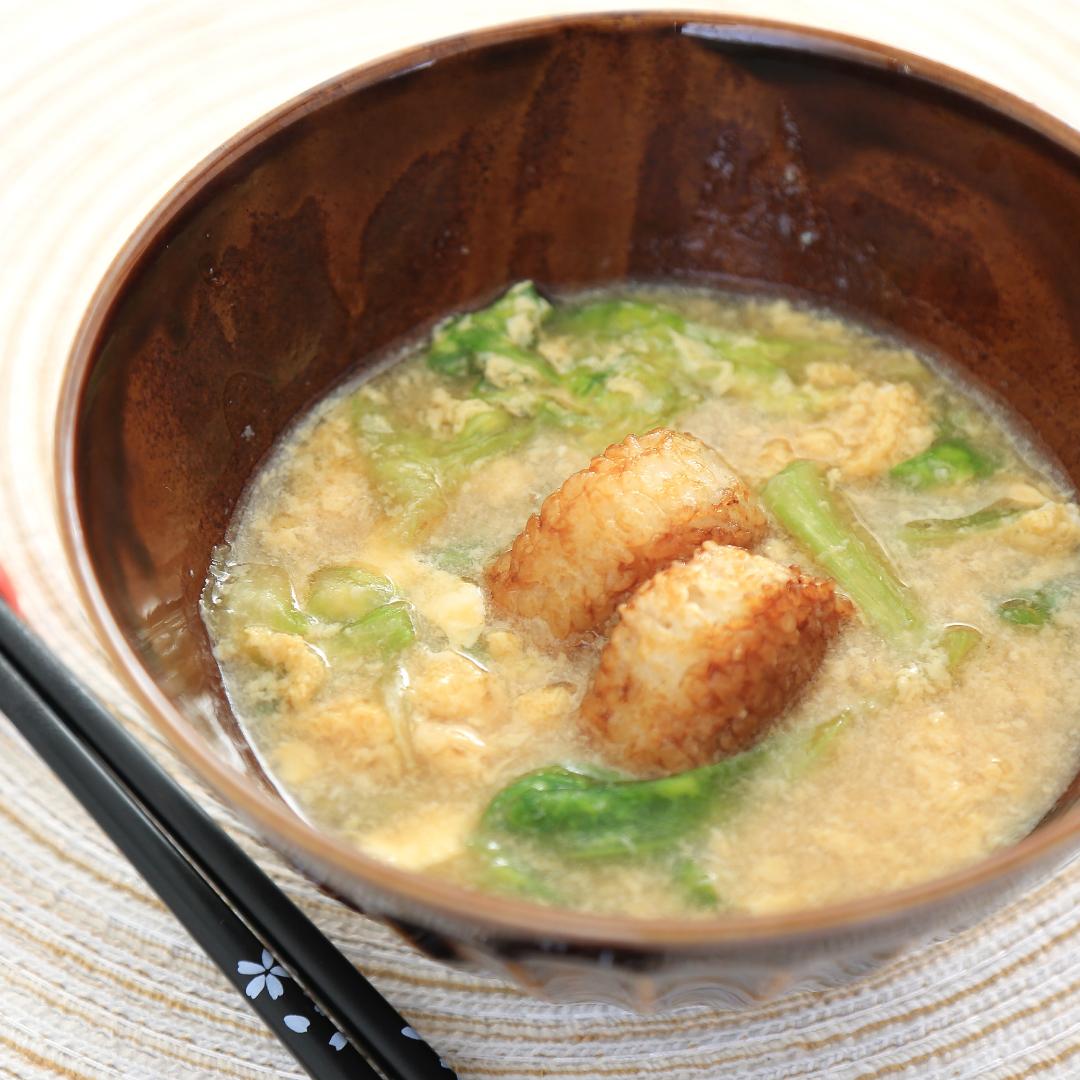 電子レンジで簡単、7分で完成「焼きおにぎりの卵スープ」@ズボラ飯