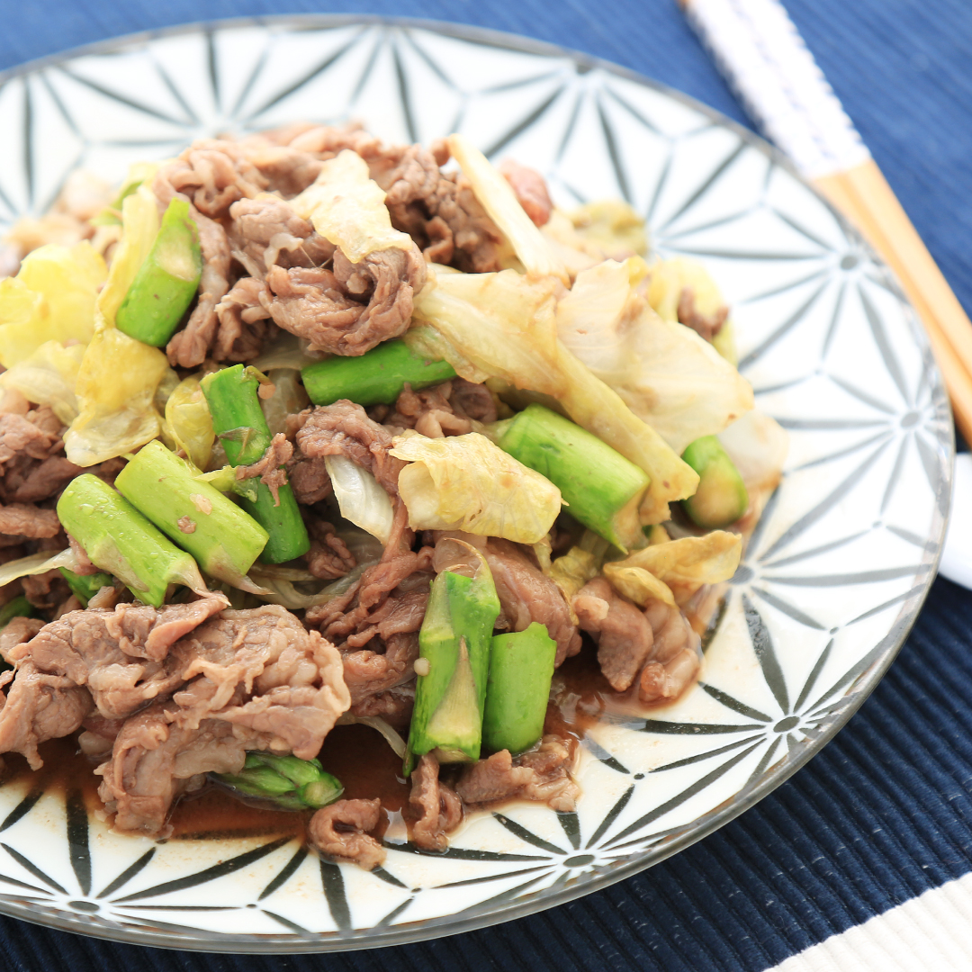 電子レンジで簡単、7分で完成「アスパラとレタスと牛肉の中華炒め」@ズボラ飯