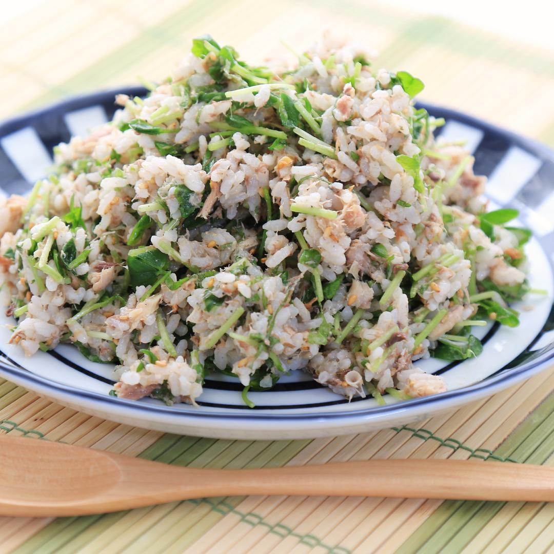 混ぜるだけで簡単、10分で完成「サバ缶ちらし寿司」@ズボラ飯