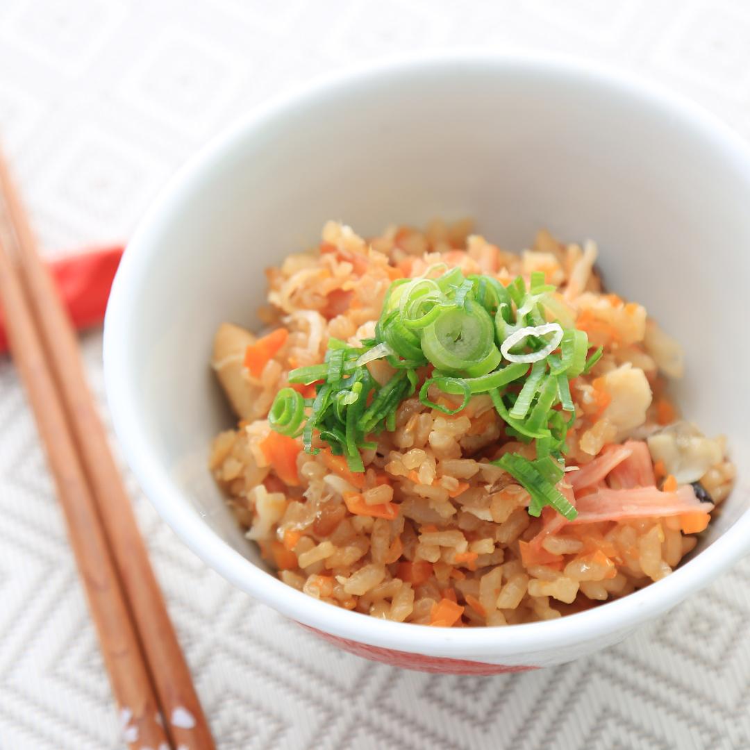 炊飯器で簡単、調理時間8分「コンビニ塩サバの炊き込みご飯」@ズボラ飯