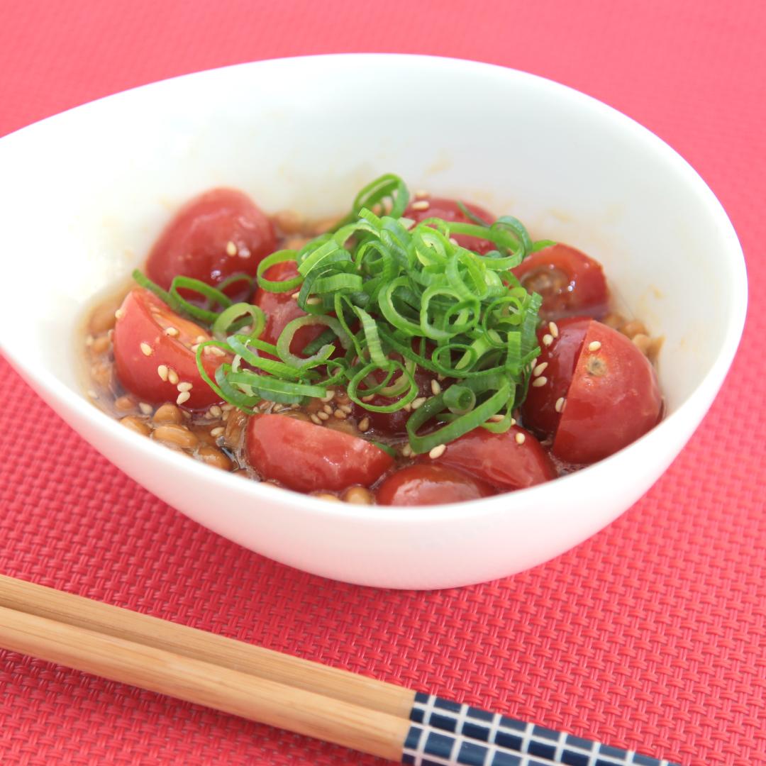 混ぜるだけで簡単、5分で完成「納豆トマト」@ズボラ飯