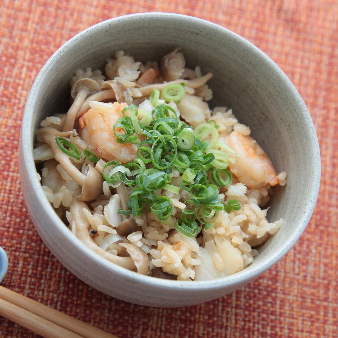炊飯器で簡単、調理時間8分「エビとタラの炊き込みご飯」@ズボラ飯