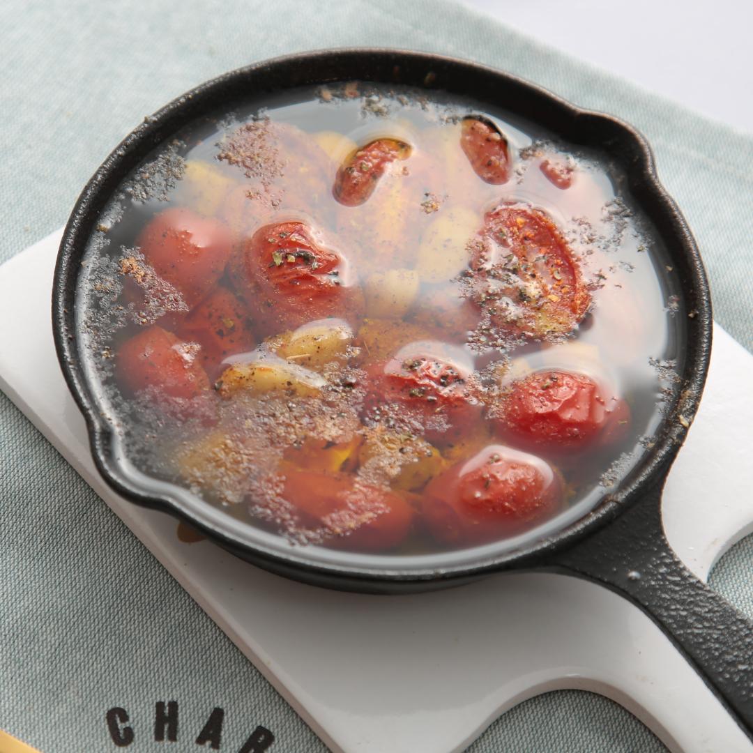 トースターで簡単、15分で完成「ホタテとトマトのアヒージョ」@ズボラ飯