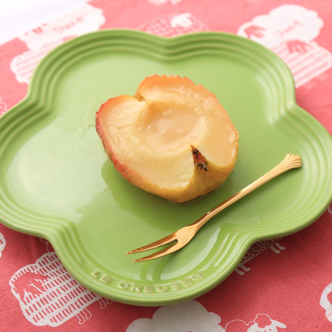 電子レンジで簡単、7分で完成「大人な焼きリンゴ」